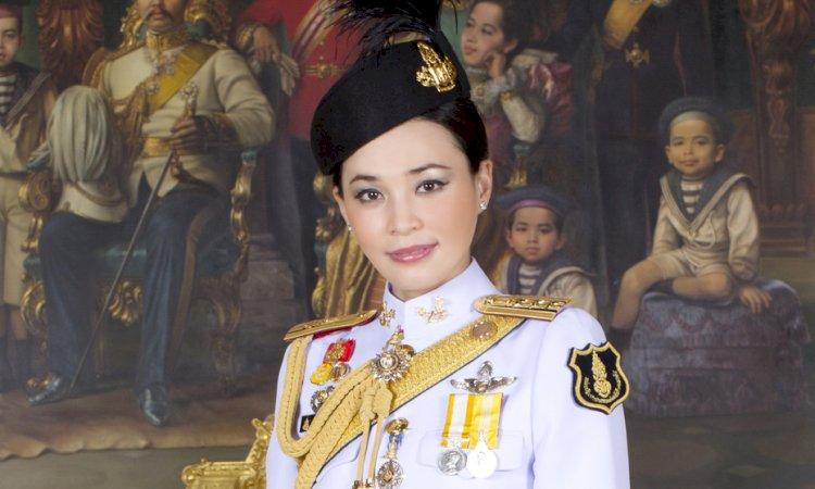 El rey de Tailandia pasa la cuarentena con sus 20 concubinas, pero... ¿dónde está la reina?