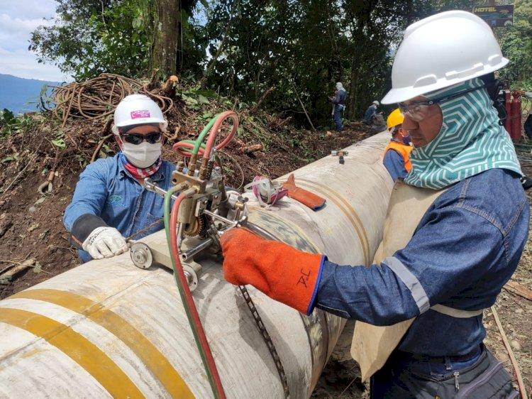 Almacenaje de crudo confirma su colapso y barril WTI llega a 12.78 dólares