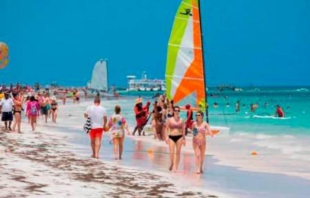 Expertos vaticinan que el turismo interno será clave en el relanzamiento del país