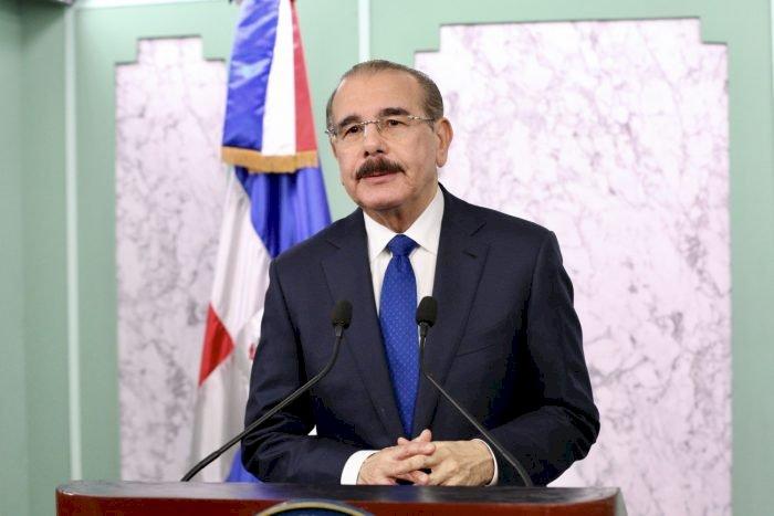 Danilo Medina dispone suspensión actividades en planteles desde el viernes por comicios
