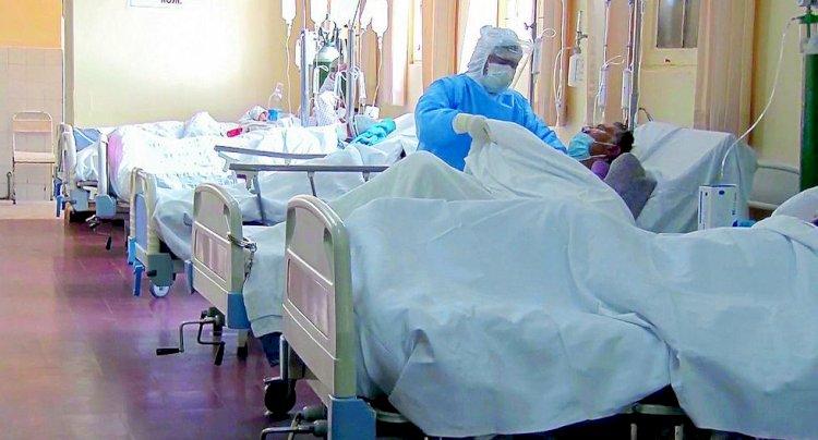 Estados Unidos registra récord diario de más de 56 mil casos de COVID-19