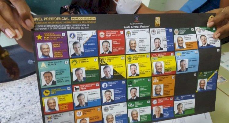 Retiran cientos de boletas con defectos de impresión en algunos recintos de la provincia Duarte