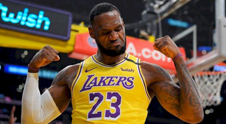 LeBron James da triunfo a los Lakers de Los Ángeles, al retomarse la campaña de la NBA