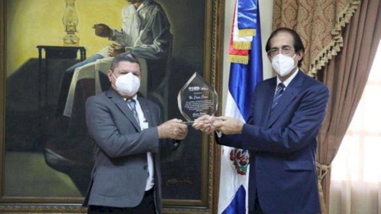 Gustavo Montalvo, reconoce labor del asesor Pastor Ponce en diferentes programas del Gobierno