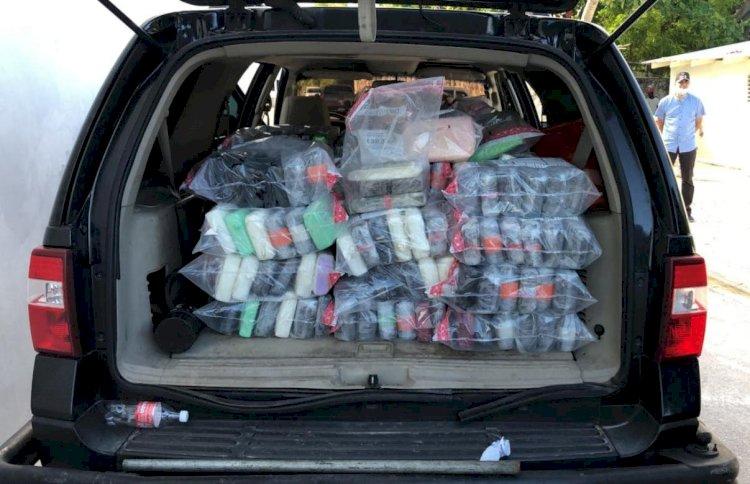 Confiscan 297 paquetes cocaína en persecución en alta mar