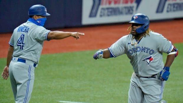 Azulejos apalean a Yankees, en gran noche de Vladimir Guerrero Jr.