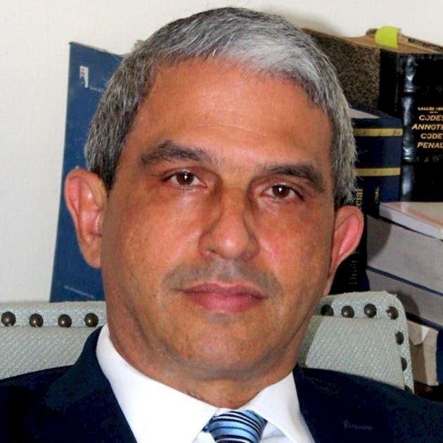 PUCMM presenta a Manuel Ulises Bonelly como candidato al Pleno de la JCE