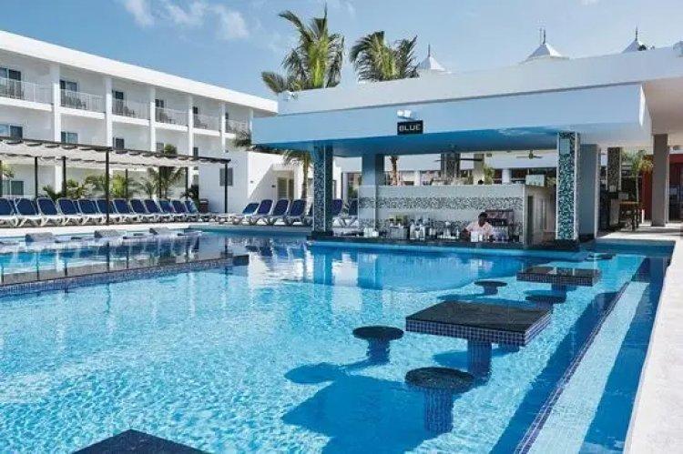 Multa de RD$1 millón a hotel por permitir aglomeración de personas