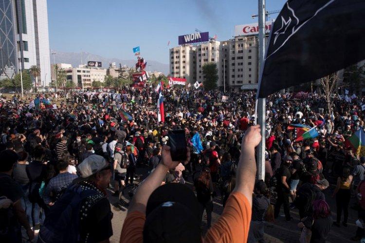 Chile vive la marcha más grande en meses a días aniversario del estallido