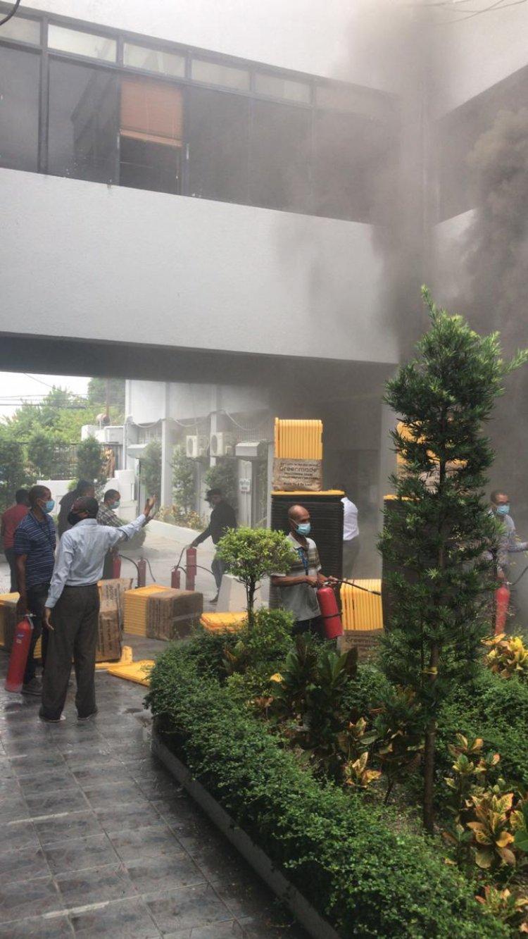 Incendio afecta sede del ministerio de Salud Pública
