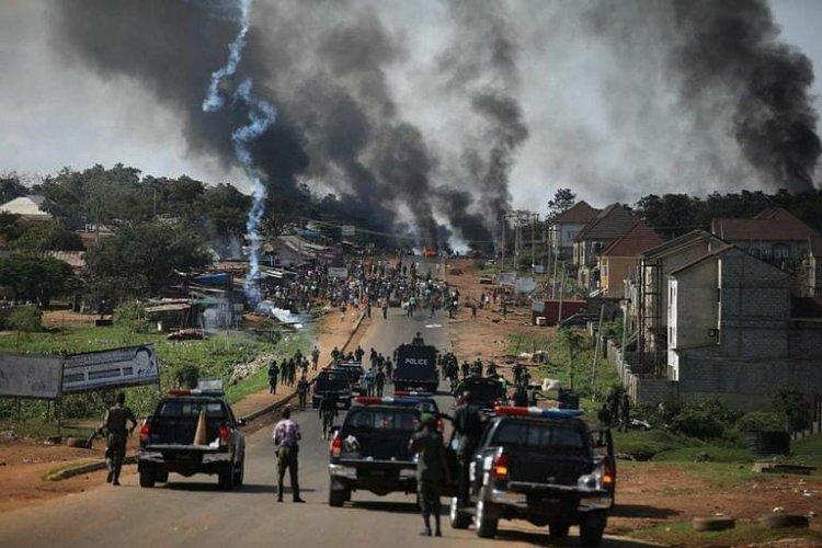 Al menos 56 muertos en las protestas contra la violencia policial en Nigeria