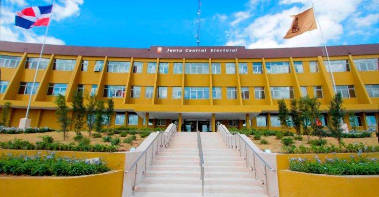 El Pleno de la JCE designa nuevos funcionarios administrativos