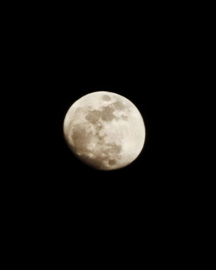 Captan Luna creciente con 92% de su superficie visible en SD