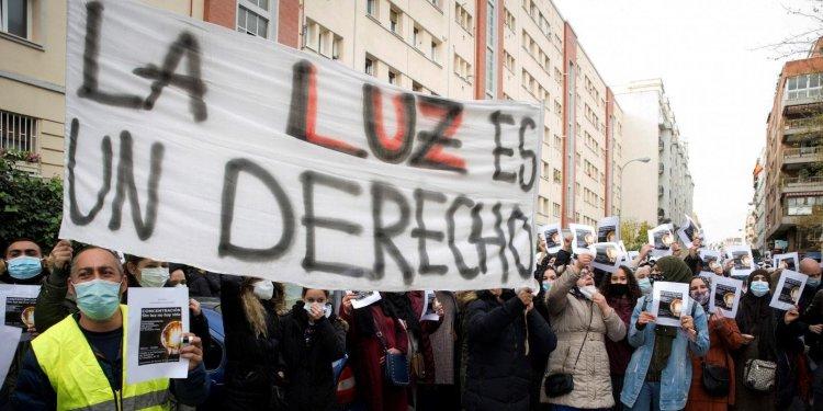 Cultivos de marihuana dejan sin luz a miles de vecinos en poblado de Madrid