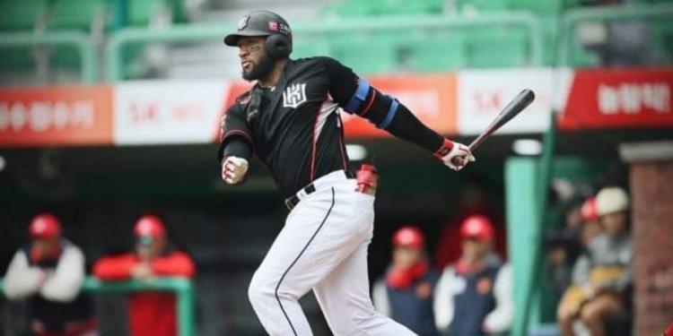 Mel Rojas Jr. fue elegido Jugador Más Valioso de la Liga de Béisbol de Corea del Sur