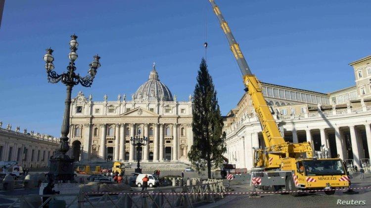 Papa cancela tradicional evento anterior a Navidad debido a COVID-19