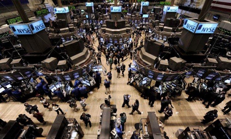 Wall Street cierra mixto y el Dow baja 0,03 % ante el juicio político a Trump