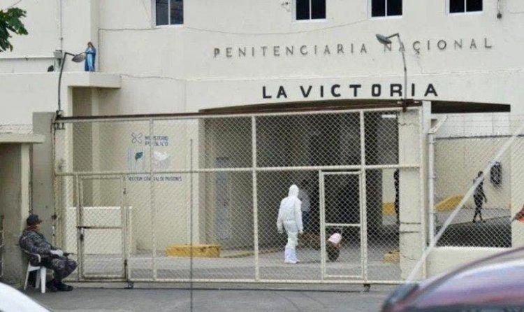Investigan muerte de dos reclusos en recintos de La Victoria y La Vega