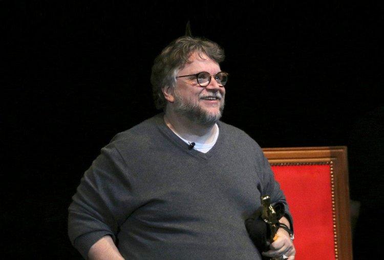 """Guillermo del Toro estrenará """"Nightmare Alley"""" en los cines el 3 de diciembre"""