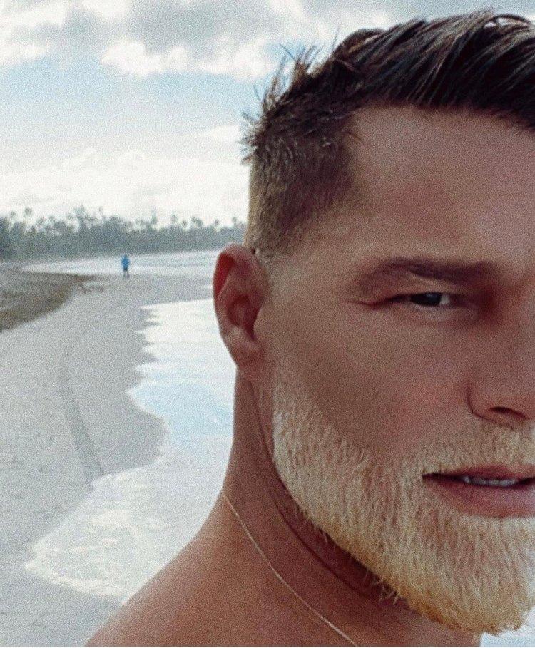 Ricky Martin estrena barba rubia