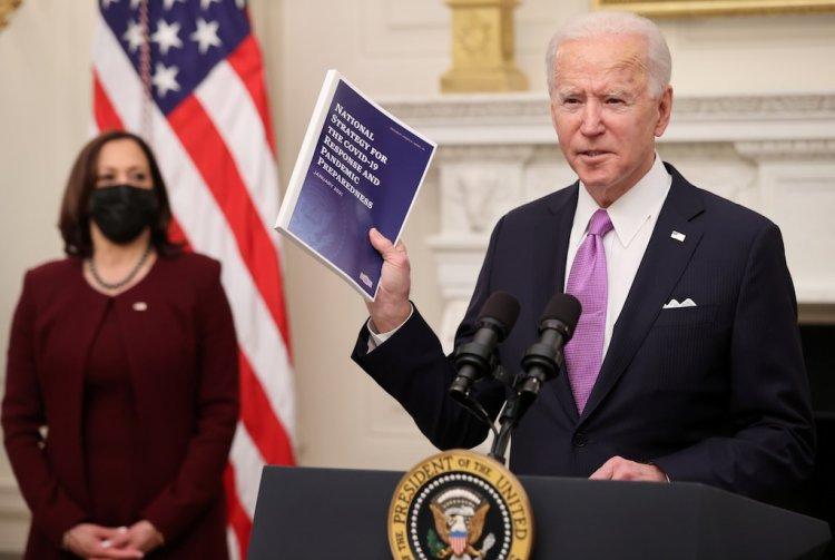 ¿Qué medidas ha abordado Biden contra la pandemia?