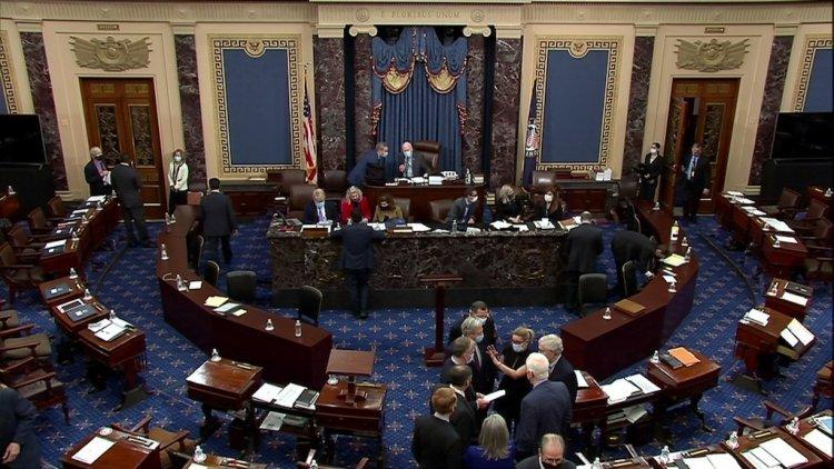 El Senado de EE.UU. rechaza propuesta demócrata de salario de 15 dólares la hora