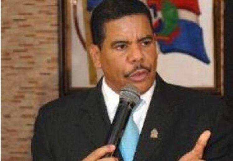"""Presidente PUN ve """"invasión pacífica haitiana"""" amenaza proyecto nación RD"""