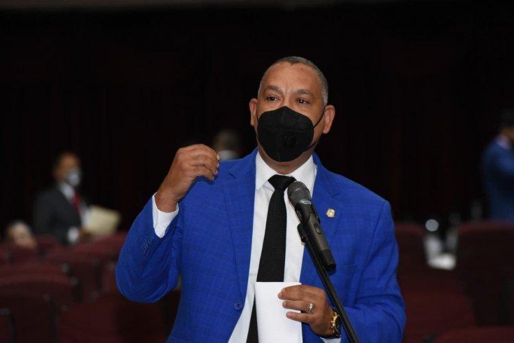Diputado Alexis Jiménez destaca voluntad del presidente de eliminar peaje sombra y reformar Ley de Hidrocarburos