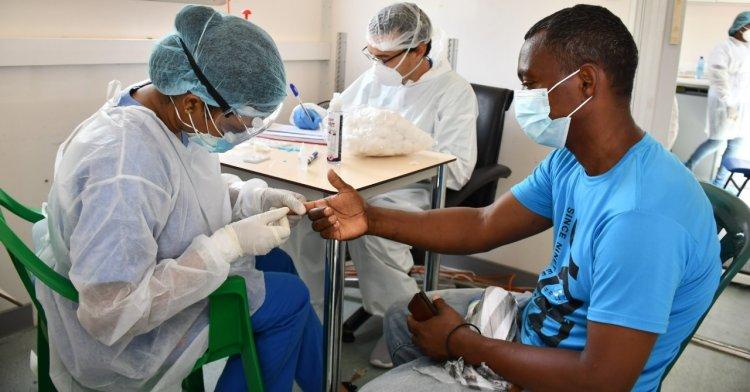 Rep. Dominicana notifica 6 muertes y 381 nuevos contagios de COVID-19