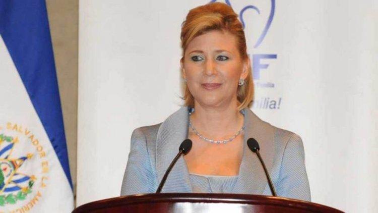 Concluye juicio contra exprimera dama salvadoreña acusada de lavado de dinero