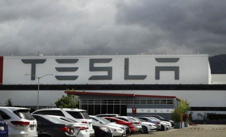 Tesla se dispara un 20 % y casi borra las pérdidas de la última semana