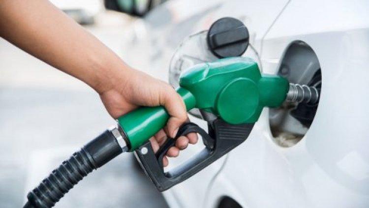 Congelan precios de los combustibles; Gobierno absorberá RD$321 millones