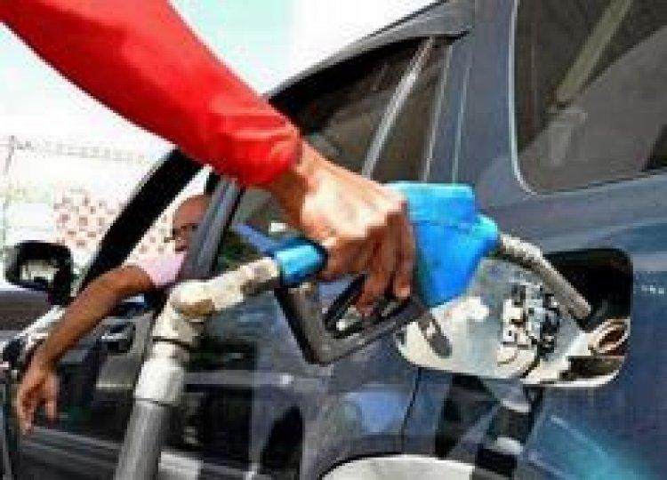 Combustibles se mantienen invariables; Gobierno asumiría RD$111 millones