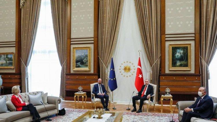 """Michel da su versión de la situación """"penosa"""" de Von der Leyen en Turquía"""