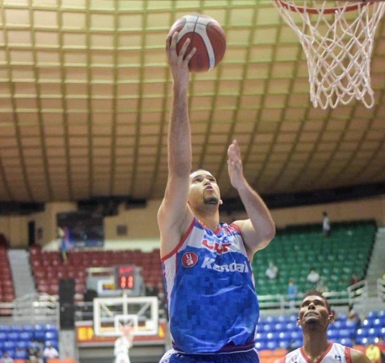 CDP triunfa y se adueña del primer lugar en Torneo de Baloncesto Superior de Santiago