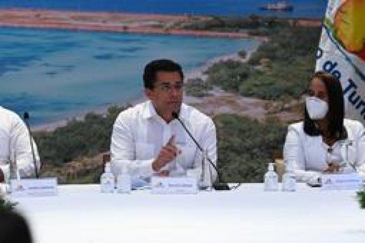 Turismo firma acuerdo con la alcaldía de Pedernales para elaborar Plan Municipal de Ordenamiento Territorial