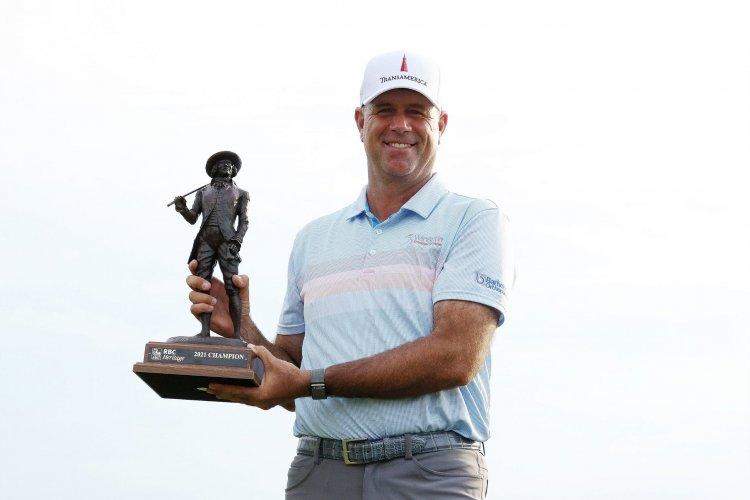 Stewart Cink gana por tercera vez el torneo Heritage, octavo de su carrera en PGA Tour