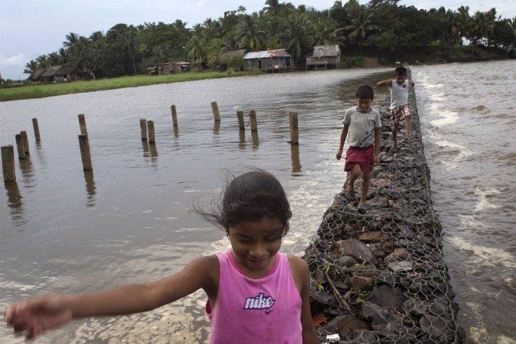 710 millones de niños viven en 45 países con más riesgo por cambio climático
