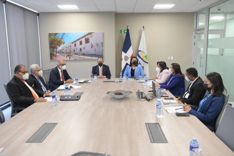 Directores de medios participan en lagran Consulta Nacional del INFOTEP