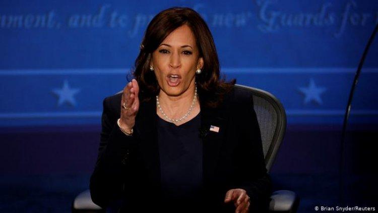 """Vicepresidenta Harris: debemos responder a El Salvador por """"socavar"""" independencia judicial"""