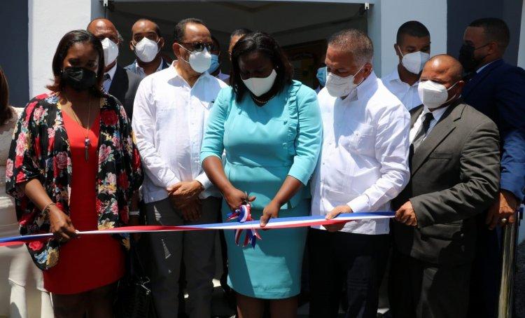 Inauguran nuevo palacio municipal en Miches con inversión de 21 millones