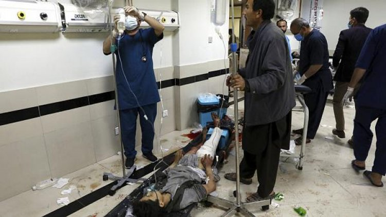 AFGANISTAN: Atentado colegio niñas ya deja 60 muertos y mas 150 heridos