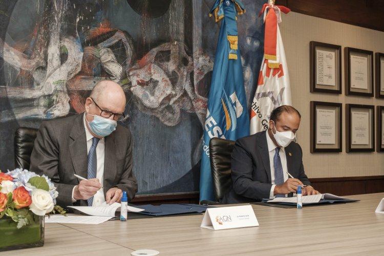 Banreservas y Archivo General firman acuerdo de cooperación