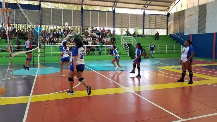 Avanza con éxito IV versión torneo de voleibol organizado por la Alcaldía de Santiago