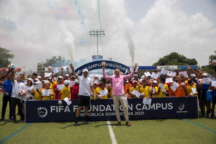 Fundación FIFA celebra el éxito del Programa Campus en RD