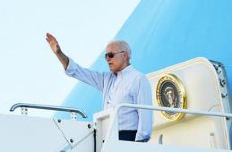 """Biden señala """"alerta roja"""" por cambio climático al visitar área de NYC golpeada por Ida"""