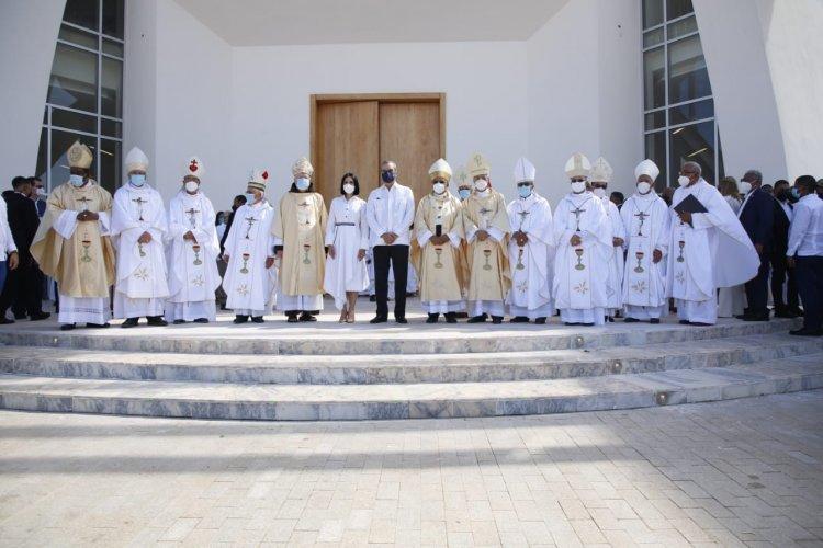Abinader anuncia continuación de Santuario Cristo de los Milagros y rehabilitación de carreteras de Bayaguana