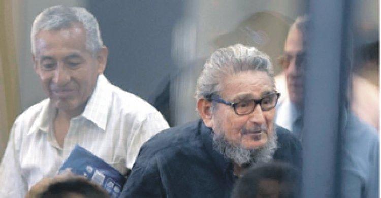 Entregan cuerpo Abimael Guzmán a sus familiares