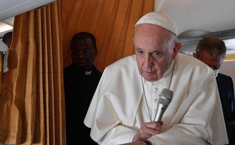 ROMA: Papa critica obispos EEUU que piden excomulgar a Biden