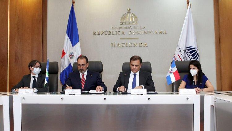 República Dominicana firma convenio para ser miembro pleno de CAF